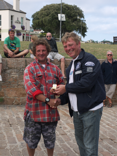 2010_Comp_Andy-Romeril_Trophy